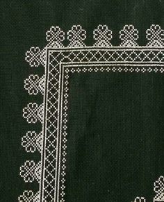 This Pin was discovered by Hül Cross Stitch Embroidery, Cross Stitch Patterns, Cross Stitch Boards, Prayer Rug, Bargello, Blackwork, Needlework, Diy And Crafts, Tapestry