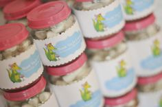 What a smart idea! I always want to do something with all the baby food jars!