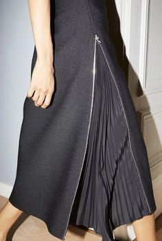 The Resort 2019 skirts transform into versatile silhouettes: Zippers turn the wool pencil skirt into an A-line while revealing set in pleats. skirt skirt skirt skirt outfit skirt for teens midi skirt Fashion Details, Diy Fashion, Womens Fashion, Fashion Design, Fashion Tips, Fashion Trends, Spring Fashion, Fashion Websites, Fashion Stores