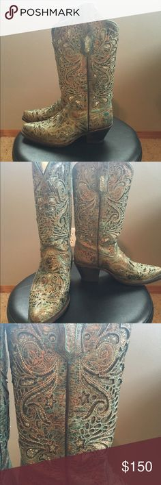 Corral boots Teal with a silver glitter detail cowgirl boot. Corral Shoes