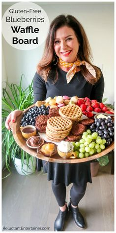 Breakfast or brunch Gluten-Free Blueberries Waffle Board, with delicious Morning Star sausage, waffles, syrup, and more! Set out your favorite toppings! Blueberry Buckle Recipe, Blueberry Cobbler Recipes, Best Blueberry Muffins, Gluten Free Blueberry, Brunch Recipes, Breakfast Recipes, Charcuterie Recipes, Charcuterie Board, Gourmet Breakfast