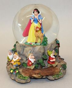 Amazon.com: Disney Snow White & The 7 Dwarfs Musical Sno-Globe: Everything Else