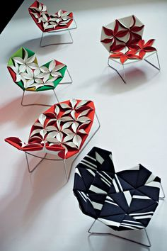 Chaise longue Antibodi / Rembourré Rouge / Fleurs blanches - Moroso