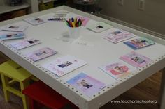 Making memory books in Pre-K from Teach Preschool Preschool Names, Preschool Literacy, Preschool Crafts, Teach Preschool, Preschool Ideas, Kindergarten, Name Writing Activities, Learning Letters, Easter Activities For Toddlers