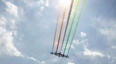 I LOVE airshows!!! This one must have been a beauty to watch with the rainbow trails!