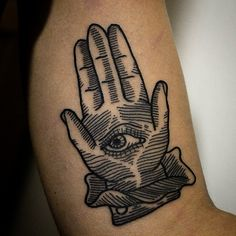 Tattoo by David Agostino.#ink #inkonskin #tattoo #traditional #traditionaltattoo #besttradtattoos #bestblacktraditional #blacktattoo #boldtattoo #blackworkers #blacktattooart #darkartists #traditionaltattoos #thebestpaintattooartists #realtattoos #classicflash #classictattoo #torino #torinotattoo