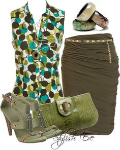 Fun blouse fabric- I like the skirt and the green purse