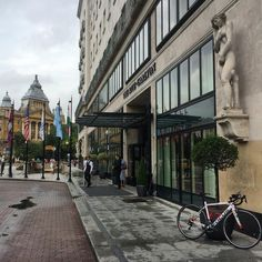 Full carbon road bike rental in Budapest delivered at Ritz Carlton during the IronMan competition - velocerental.com