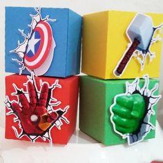 No photo description available. Avengers Birthday, Superhero Birthday Party, 4th Birthday Parties, Boy Birthday, Marvel Baby Shower, Superhero Baby Shower, Avengers Party Decorations, Birthday Party Decorations, Hulk Party