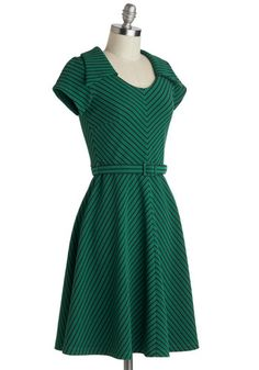 To a Tee Time Dress in Green | Mod Retro Vintage Dresses | ModCloth.com