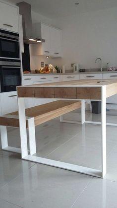 ASPEN Unser Flaggschiff-Produkt - eine perfekte Tisch für ein Loft und große Räume. Tischplatte aus Massivholz. Edelstahl pulverbeschichtet mit jeder RAL-Farbe oder Rohstahl nicht Farbe lackiert. Die Kotierung stellt ein Ess-Set - Tisch mit 2 Bänke, Eiche übereinstimmende. Der Preis bezieht sich auf eine Tabelle von 200cm lang und 90cm breit mit 2 Bänke, denen Sie unter leicht schieben können. Tabellen erheblich größer oder kleiner würde einzeln bepreist werden. Alle unsere Möbel wird…
