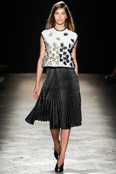 Marco de Vincenzo Spring 2014 RTW - Review - Fashion Week - Runway, Fashion Shows and Collections - Vogue