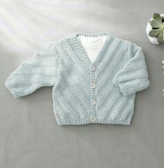 Modèle gilet gris layette Phil Noé - Modèles Layette - Phildar Baby Vest, Catalogue, Baby Knitting, Knitted Baby, Kids Fashion, Boutique, Mini, Crochet, Summer Knitting