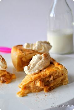 Yams, Dessert Recipes, Desserts, Apple Pie, Sweet Recipes, Tea Time, French Toast, Sweets, Sugar