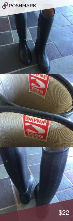 From UK insulated rubber rain or equestrian boots Sold 1 pair in UK size 13, this is the last pair in UK size 10 - about a US 13? Please google yourself to be sure. Wonderful quality. Made in Israel. NEW DAFNA Shoes Rain & Snow Boots