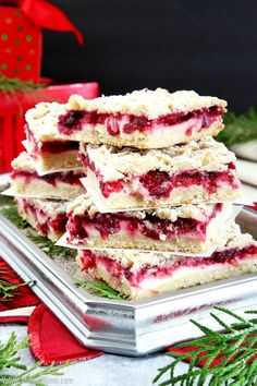 Another great treat just in time for the Holidays. These Cream Cheese Cranberry Bars are very easy to make, very tasty and look beautiful too. Cranberry Bars, Cranberry Dessert, Cranberry Cheese, Baking Recipes, Cookie Recipes, Cheesecake Recipes, Cream Cheese Stuffed Jalapenos, Make Cream Cheese, Sweet Bakery