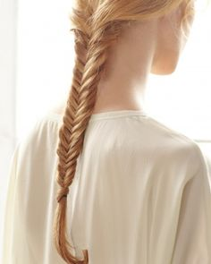 Hair-Braiding How-To: The Fishtail Braid
