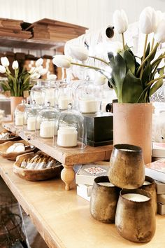 Craft Stall Display, Craft Show Displays, Candle Display Ideas, Craft Stalls, Candle Store, Market Displays, Moroccan Decor, Shops, Scented Candles