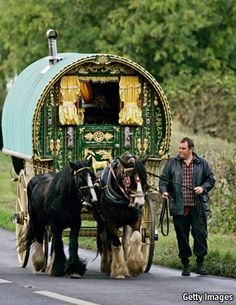 Gypsy Living ~ .....gypsy horse fair at Stow-on-the-Wold.