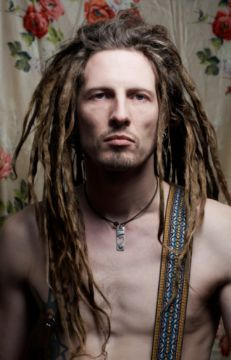 dudes with dreads Dreads Styles, Dreadlock Styles, Dreadlocks Men, Dreadlock Rasta, Dreadlock Hairstyles For Men, Cool Hairstyles, Braided Hairstyles, Piercings, Natural Hair Styles