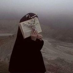İslamic anime ve tesettür Hijab Niqab, Muslim Hijab, Beautiful Muslim Women, Beautiful Hijab, Hijabi Girl, Girl Hijab, Hijab Drawing, Prity Girl, Hijab Cartoon