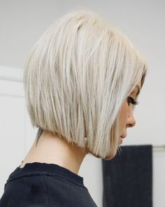 Mar 2019 - all things hair : maintenance, color, cut & style. Bob Hairstyles For Fine Hair, Haircut For Thick Hair, Hairstyles Haircuts, Haircut Short, Haircut Style, Celebrity Hairstyles, Modern Bob Haircut, Wedding Hairstyles, Modern Bob Hairstyles