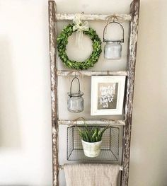 36 brilliant, reused old ladder ideas for upcycling .- 36 brilliant, reused old ladder ideas for upcycling fans – - Country Decor, Rustic Decor, Rustic Style, French Country Wall Decor, Modern Rustic, Old Ladder, Rustic Ladder, Vintage Ladder, Shabby Chic Ladder