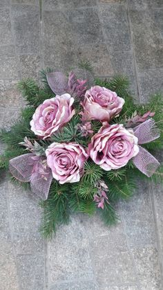 Sympathy Flowers, Funeral Flowers, Flower Arrangements, Diy And Crafts, Floral Wreath, Wreaths, Outdoor, Design, Decor
