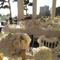 White on white for a gorgeous wedding at the Trump Waikiki Infinity Pool.