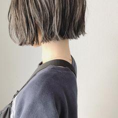 Yoshie HamaさんはInstagramを利用しています:「* new hair👩🏼 うちのさん ありがとうございました😌 * * 代官山Am besten 濱 芳江 LINE@▷▷▷@wao8063s * #コーデ#セルフアレンジ動画#代官山#セルフアレンジ#ハイライト#ボブアレンジ#古着#中目黒#帽子アレンジ」 Best Bob Haircuts, Bob Hairstyles, Short Hair Cuts, Short Hair Styles, Blunt Haircut, Hair Arrange, Pinterest Hair, Love Hair, Cut And Color