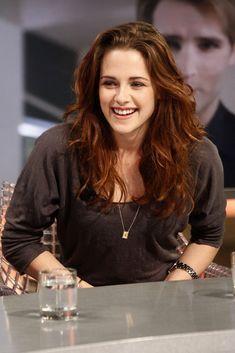Kristen Stewart - The 'Twilight' Cast on 'El Hormiguero'