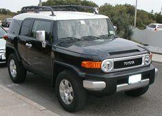 Black Toyota FJ Cruiser