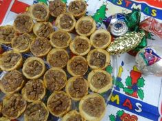 mini pecan tarts from Tia Maria's Blog