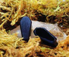 Wood Coffin Plugs 8 mm 10 mm 12 mm by TribalGauges Plugs Earrings, Gauges Plugs, Piercing Ideas, Body Modifications, Body Mods, Men's Accessories, Ruin, Body Jewelry, Piercings
