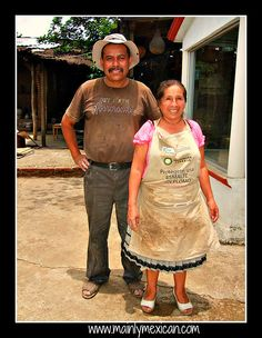 July 2013 in Mexico - Pedro Hernándes Carlos and his wife, Isabel Serrano from San Jose de Gracia, Michoacán who create beautiful pineapple pottery & have a video about their work- www.mainlymexican... #Mexico #Mexican #pottery #clay #ceramic #folk art #artisan #Feria Maestros