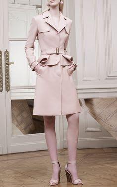 Get inspired and discover Elie Saab trunkshow! Shop the latest Elie Saab collection at Moda Operandi. Look Fashion, Fashion Show, Fashion Design, Winter Fashion, Moncler, Estilo Glamour, Cristian Dior, Elie Saab Spring, Dress For Success