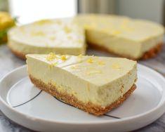 Ostekake med sitron - enkelt å lage og smaker fantastisk!... | Gladkokken Tart Recipes, Let Them Eat Cake, Feta, Nom Nom, Cheesecake, Food And Drink, Sweets, Baking, Desserts