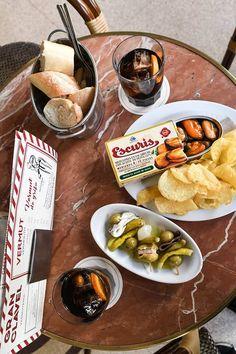 Los mejores vermut de Madrid Tapas Bar, Verbena, Spanish Food, Dried Fruit, Charcuterie, Chorizo, Food Truck, Valencia, Martini