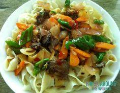 Nudeln mit frischem Gemüse und Fleisch, Tibet