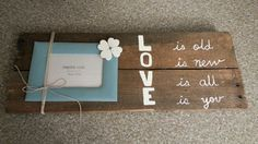 Wood pallet picture wall decor
