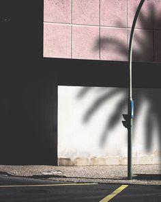 Pastel minimal, photo by Matthieu Venot Matthieu Venot, Minimal Photo, Shadow Play, Affordable Art Fair, Minimalist Photography, French Photographers, Contemporary Artists, Street Photography, Illusions