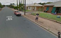 Australiana exibe seios para câmera do Google Maps