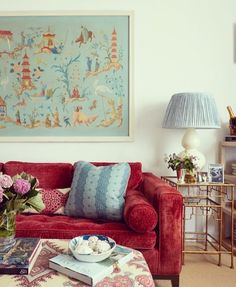 Colorful and Traditional Designs from a New York City Designer – Blue and White Home Traditional House, Traditional Design, Traditional Interior, Living Room Furniture, Living Room Decor, Colourful Living Room, Red Sofa, Red Interiors, Eclectic Decor