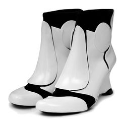 Show off the Stormtrooper in you by wearing these Stormtrooper heels. :) #starwars