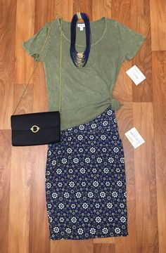 Cassie and Classic https://www.facebook.com/groups/lularoejilldomme/