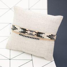 Bracelet tissé Eevi , manchette multirangs - Bracelet tissé en perles Miyuki - Or, noir et blanc