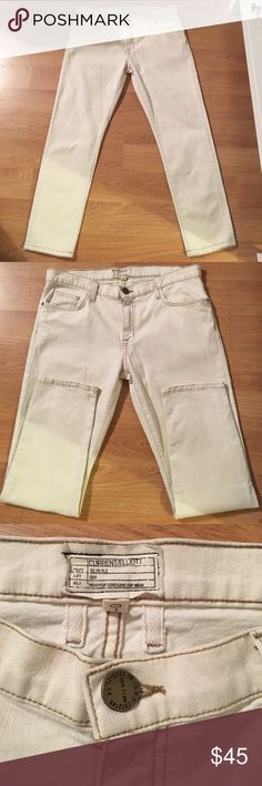 Current/ Elliot jeans Current/ Elliot jeans- color is an off white- size is 29. Cut/ coupe# 104857- style is The Fling- AU natural. Gently worn- in good condition. Current/Elliott Jeans