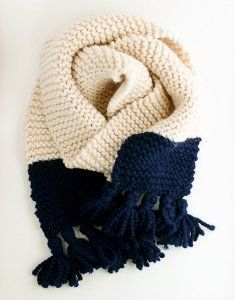 Garter Stitch Color Block Scarf | This beautiful garter stitch knit scarf makes a bold statement.