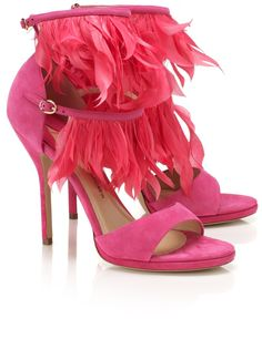 Paul Andrew pink feather heels I don't like pink but who knows. Pink Shoes, Hot Shoes, Crazy Shoes, Me Too Shoes, Wedge Shoes, Stiletto Heels, High Heels, Evening Shoes, Evening Sandals