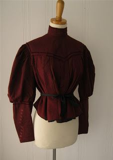 All The Pretty Dresses: Red Wool Blouse 1890s Fashion, Edwardian Fashion, Vintage Fashion, Fashion Fashion, Pretty Outfits, Beautiful Outfits, Pretty Dresses, Historical Costume, Historical Clothing